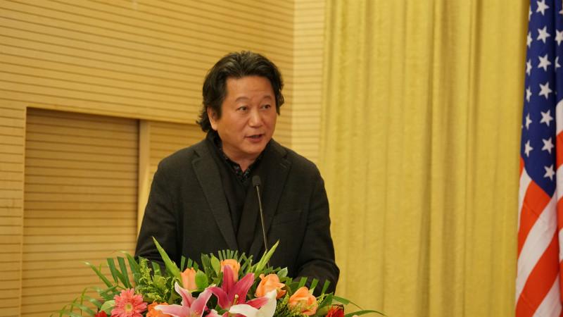 中国国家画院副院长张江舟主持签字仪式