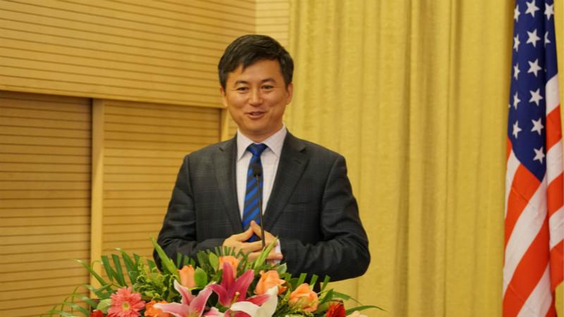 西安西咸新区管委会副主任陈辉致辞