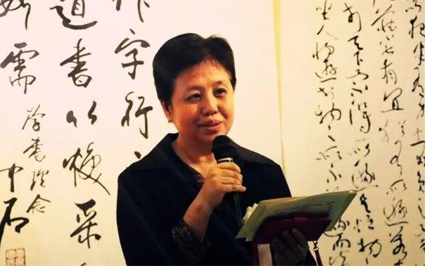 中华人民共和国驻日本国大使馆文化参事官石永菁女士代表中国驻日本大使馆致祝辞