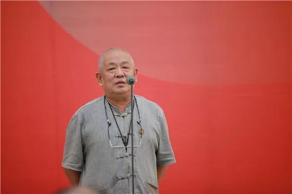 山东省美术家协会主席张志民发言