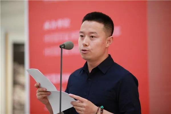 张瑞文代表全体学员致答谢词