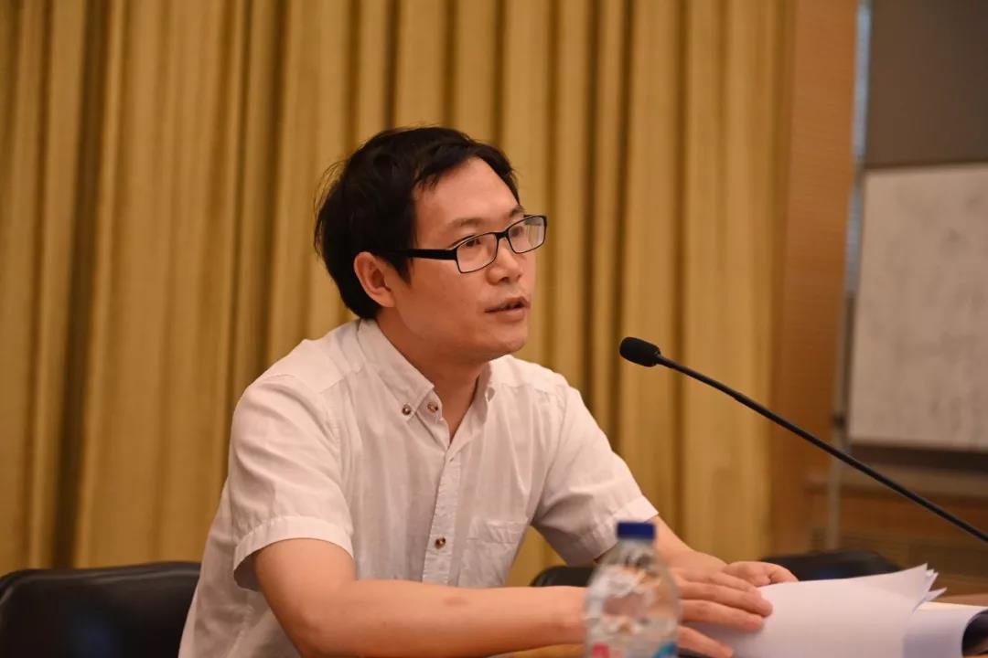 中国国家画院党委书记张士军讲党课