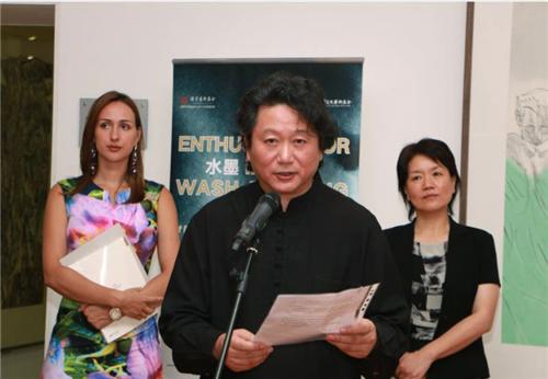 中国国家画院副院长张江舟在开幕式上致辞