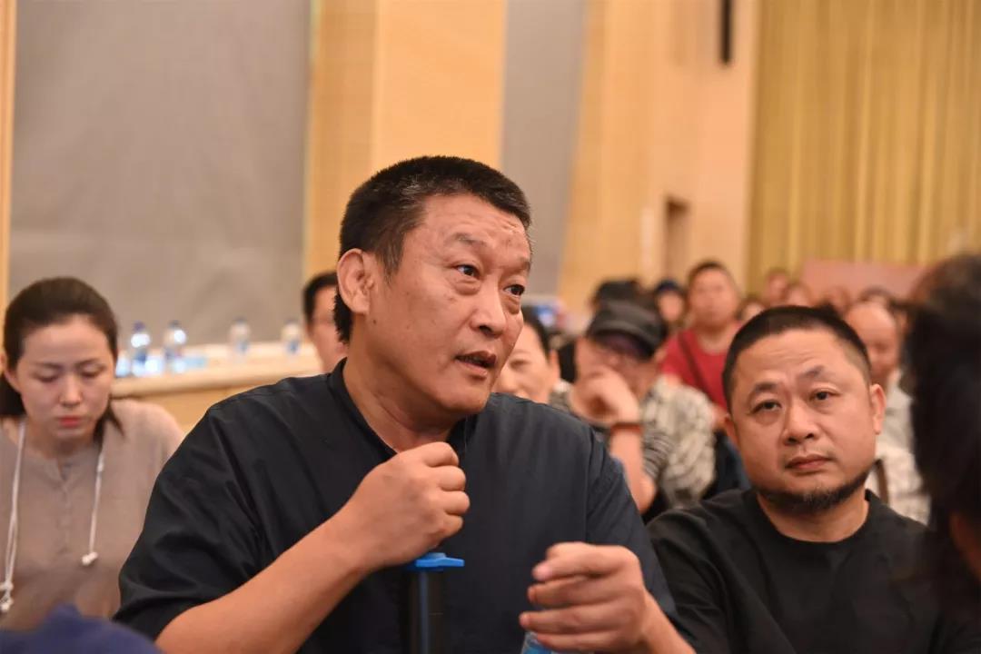 中国国家画院艺术信息中心负责人、艺术家魏广君发言