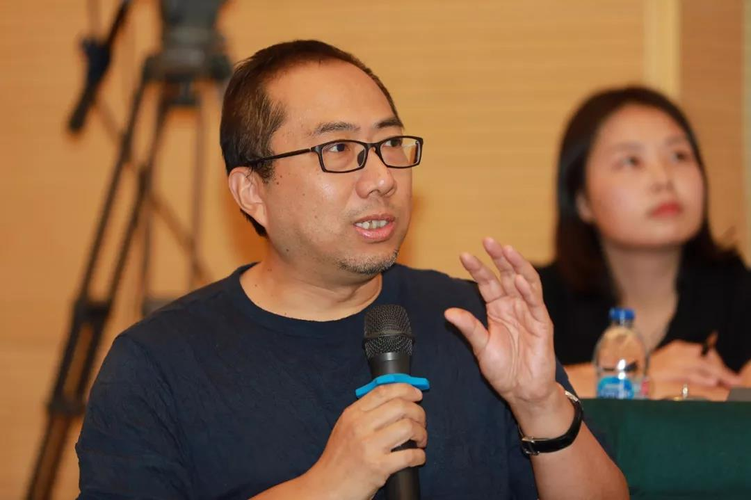 中国国家画院创作研究部负责人、艺术家乔宜男发言