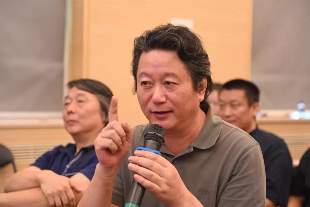 中国国家画院副院长张江舟发言