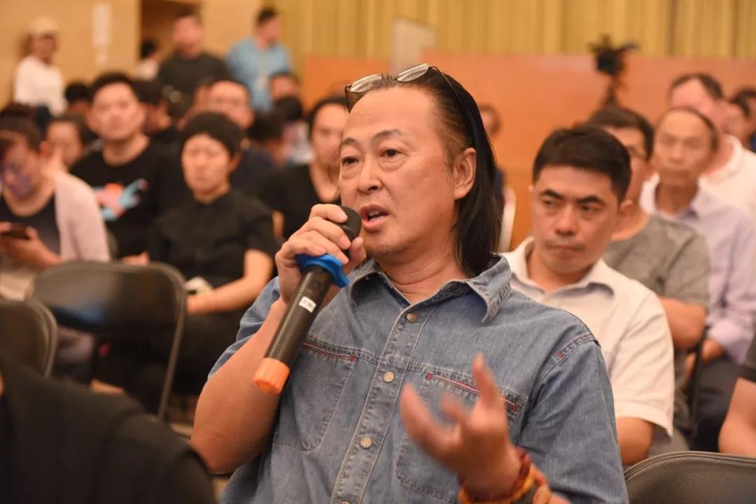 中国国家画院国画院秘书长、艺术家陈鹏发言