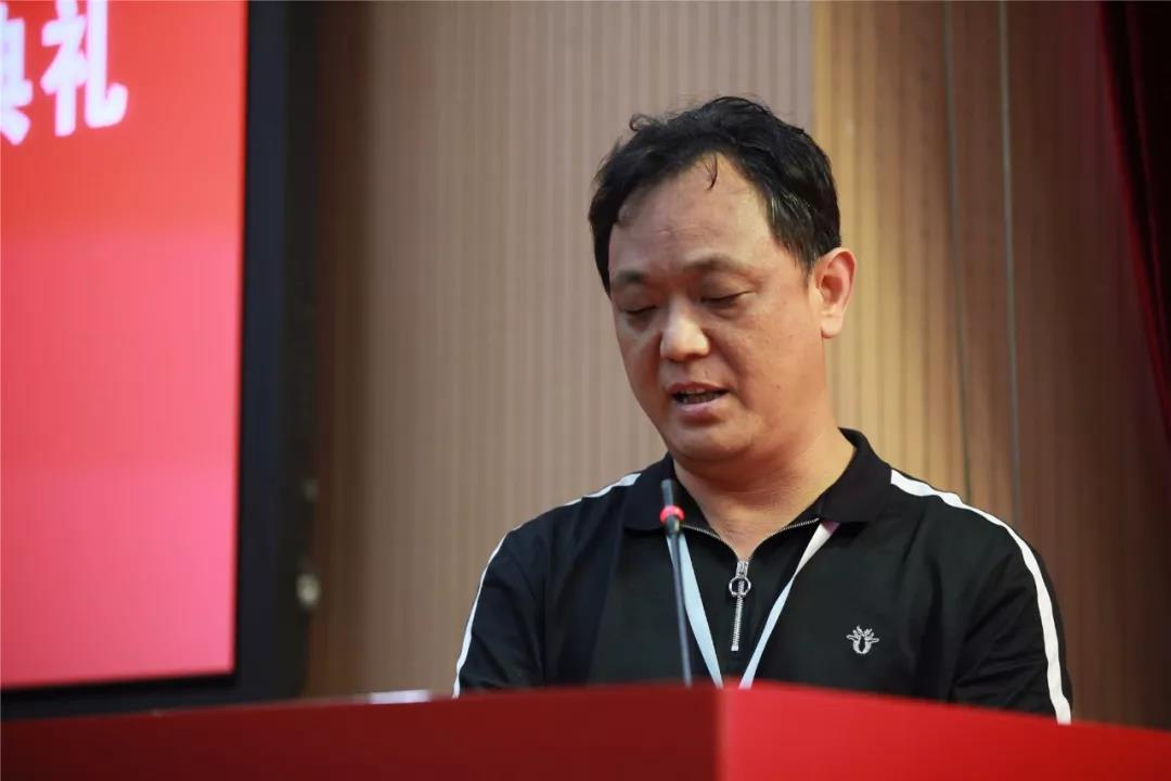 中国国家画院导师工作室学员代表王兵发言