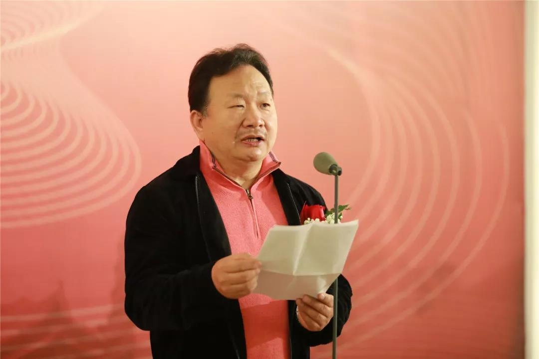 展览联合主办单位之一的兰州画院院长巫卫东代表参展画家致辞