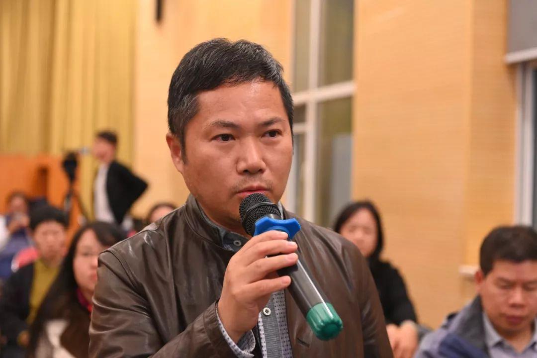 中国国家画院艺术家谢小铨发言