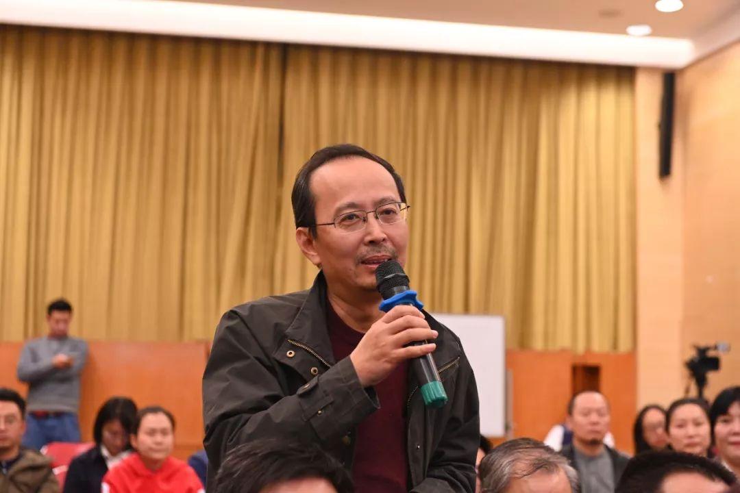 中国国家画院艺术家蔡大礼发言