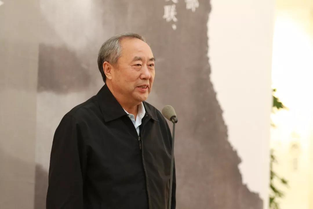 原文化部副部长周和平宣布展览开幕