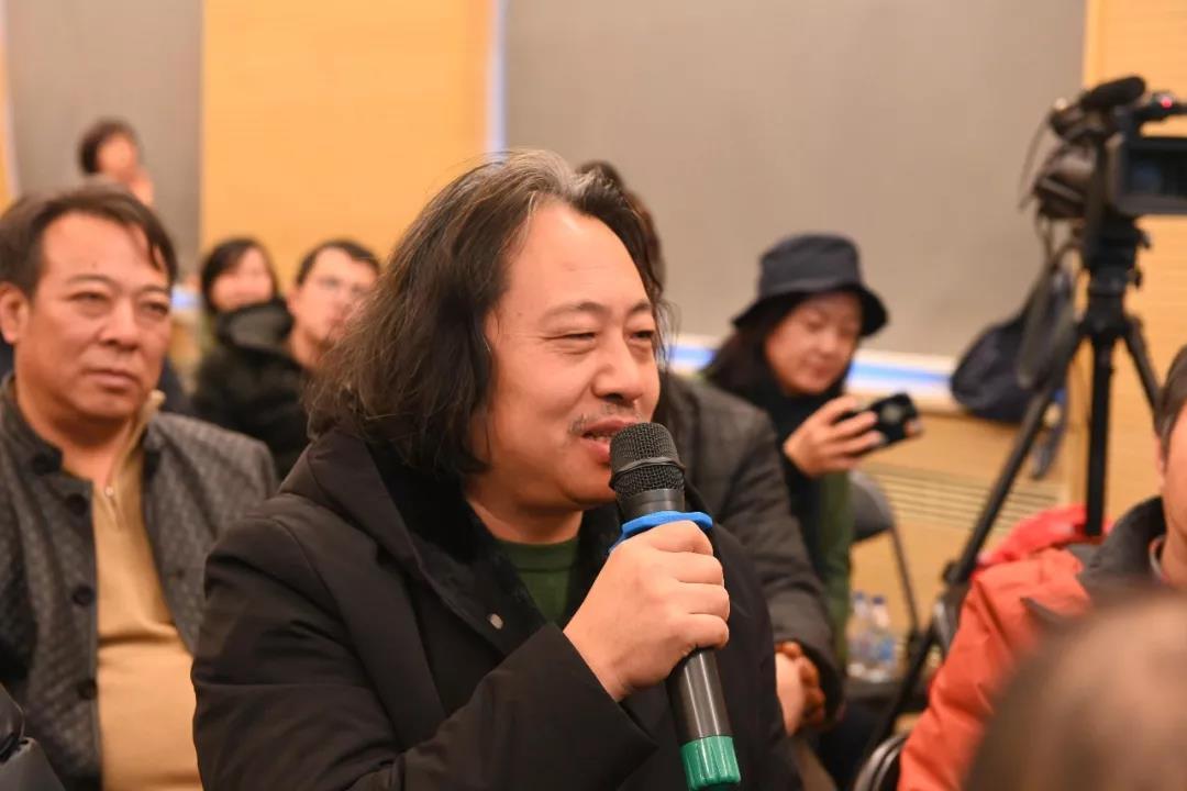 中国国家画院花鸟画所艺术家贾广健发言