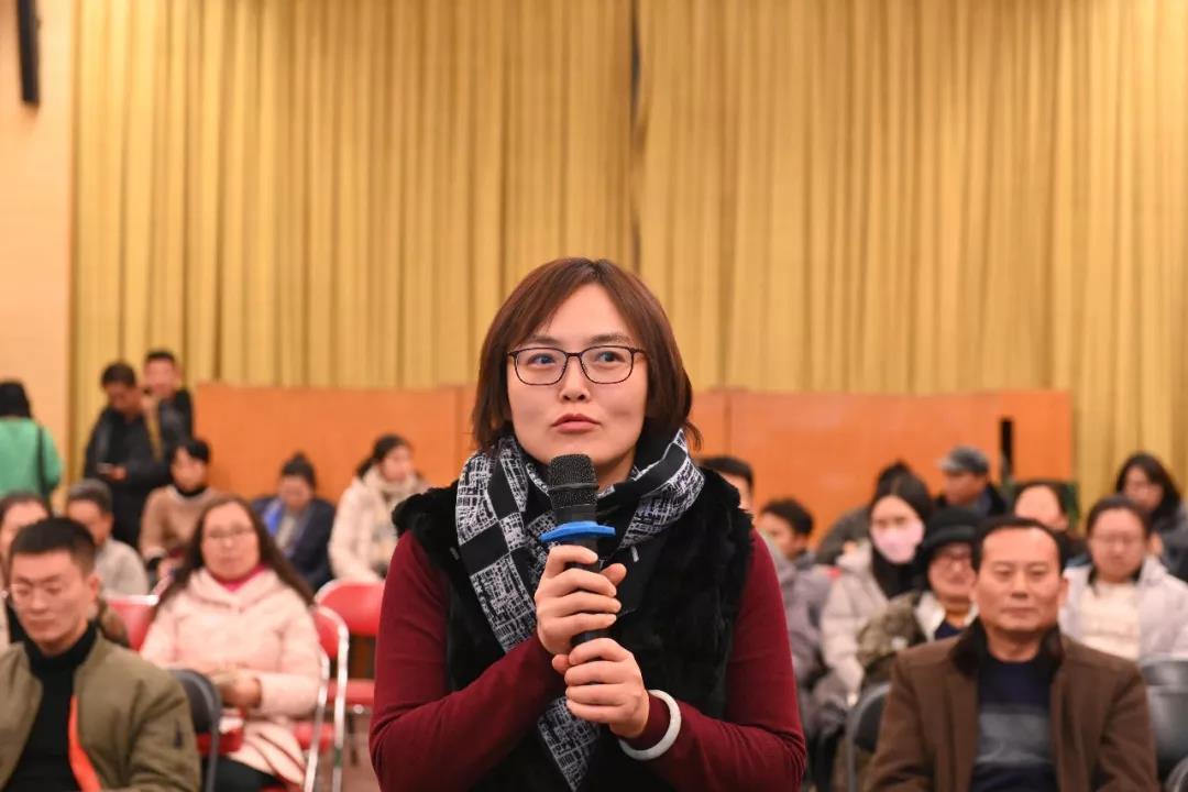 中国国家画院院办负责人张蕾发言