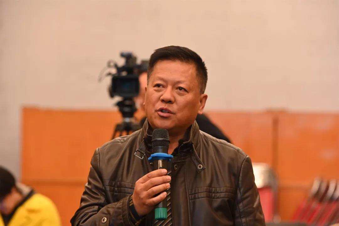中国国家画院山水画所艺术家张桐瑀发言