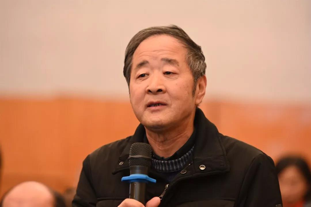 中国国家画院山水画所艺术家王永亮发言并提问