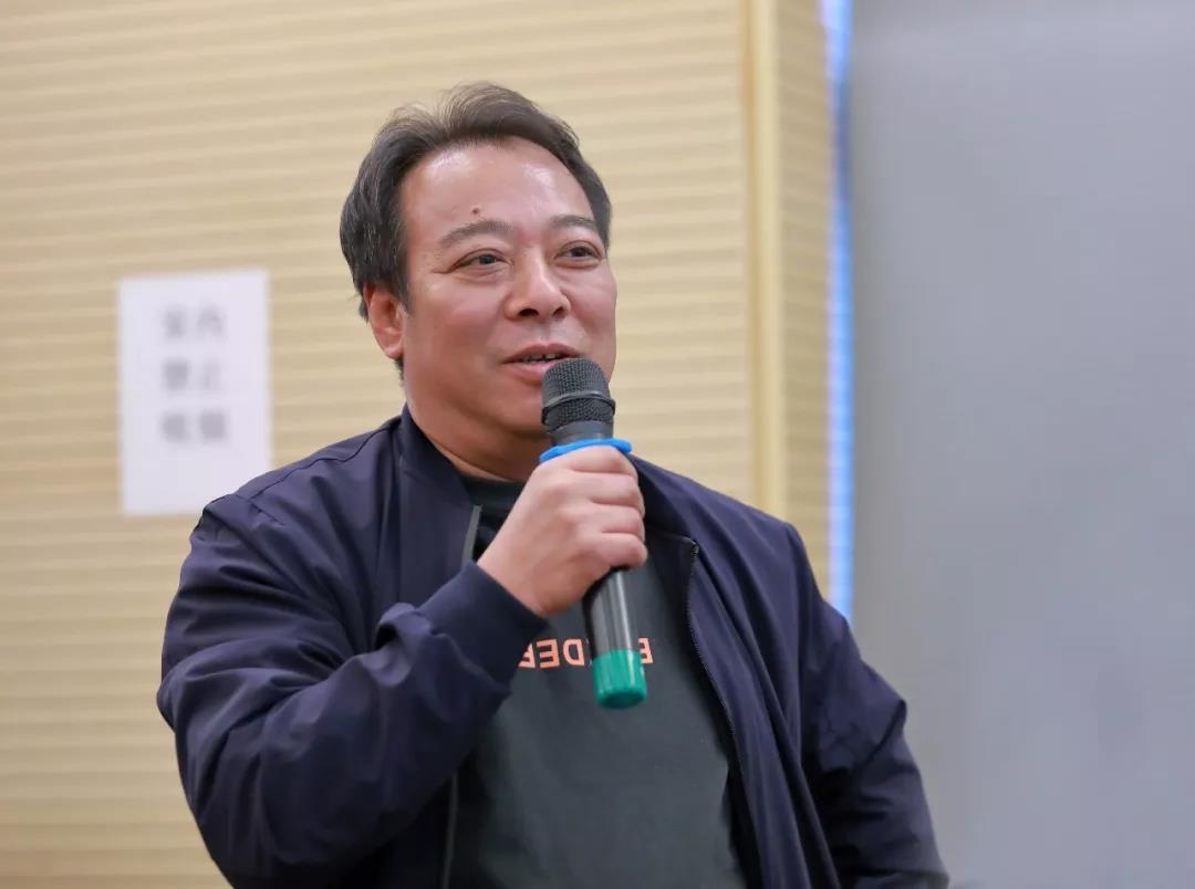 中国国家画院人物画所负责人李晓柱发言