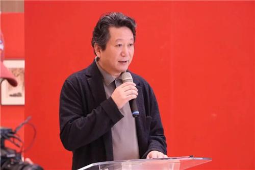 中国国家画院副院长张江洲主持开幕式