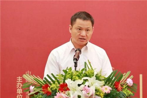 罗山县人民政府副县长王延召致辞